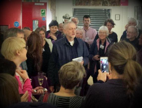 Jezza talking to CND delegates-cropped
